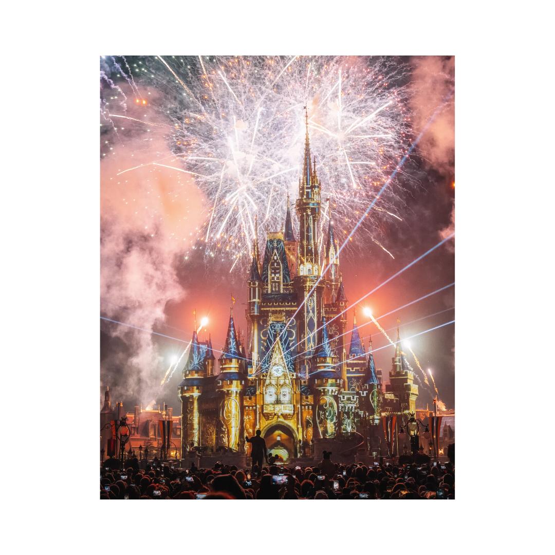 シンデレラ城と花火