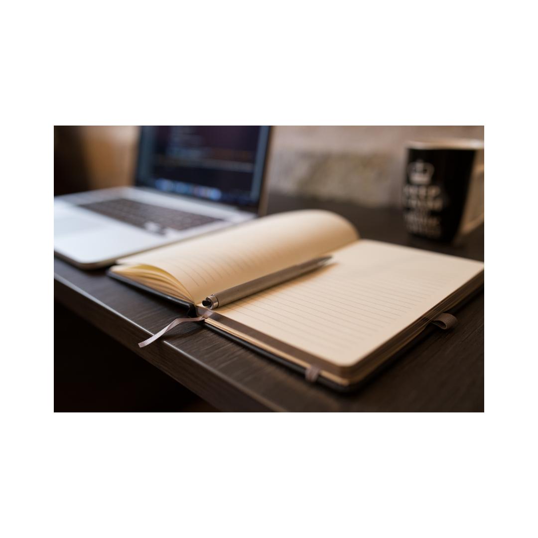 メモ帳とパソコン