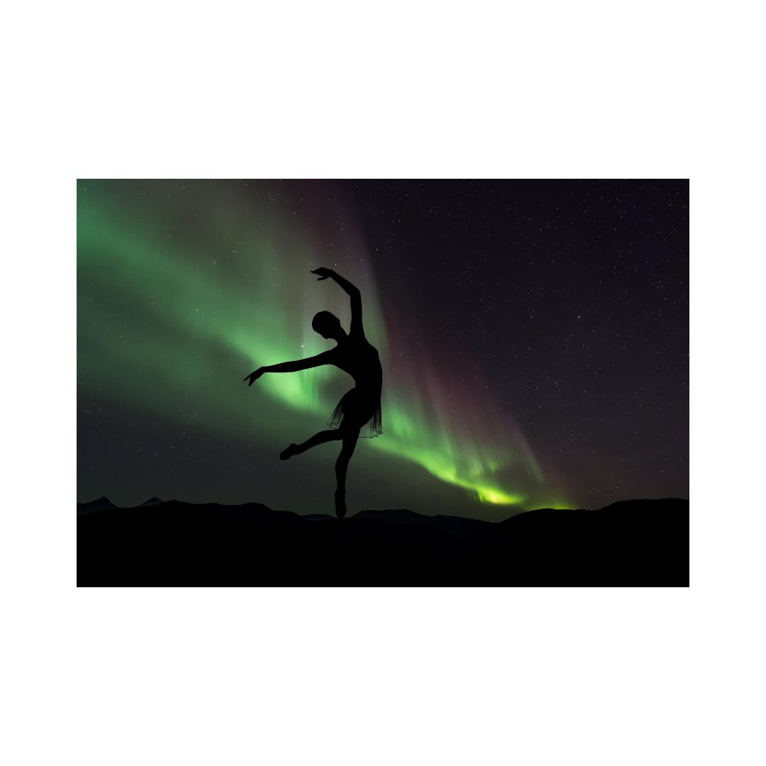 暗闇で踊る人